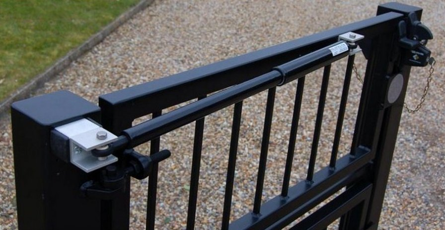 Gate closers for metal gate and fence doors Hollywood